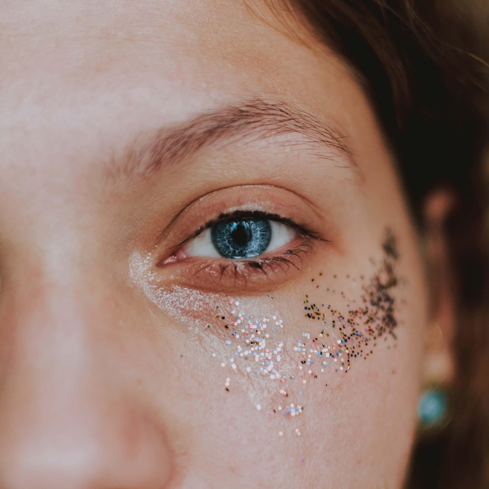 blue eyes in zoom